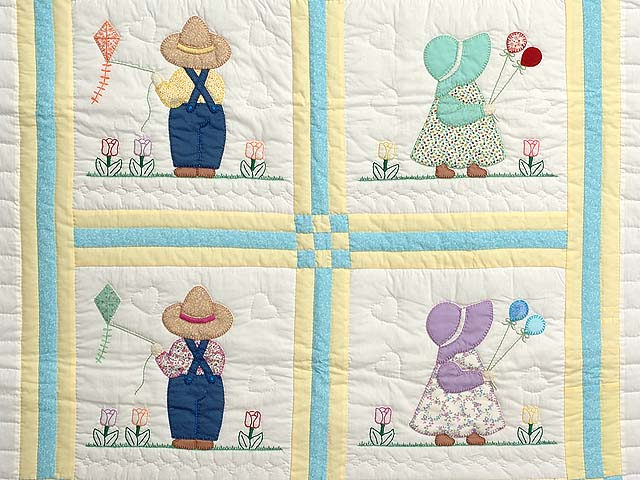 Sunbonnet Sue & Bill Crib Quilt Photo 2