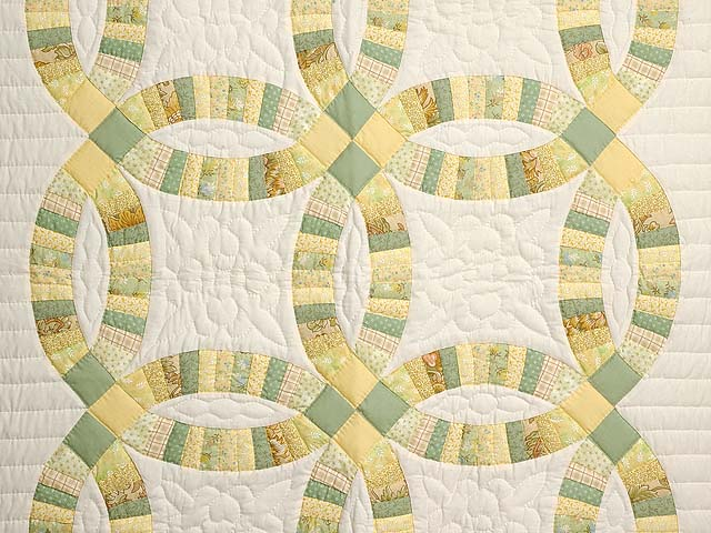 Fine Yellows and Greens Double Wedding Ring Crib Quilt Photo 2