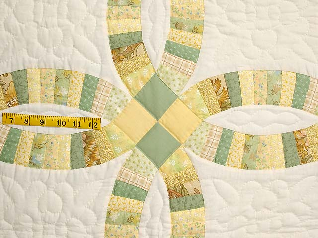 Fine Yellows and Greens Double Wedding Ring Crib Quilt Photo 3