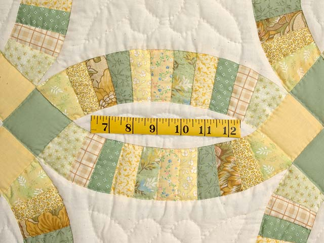 Fine Yellows and Greens Double Wedding Ring Crib Quilt Photo 4