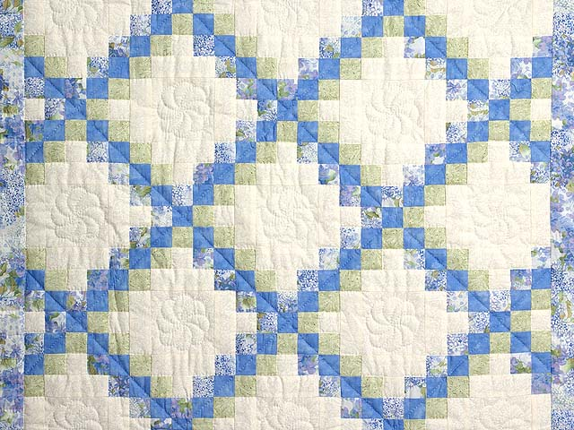 Pastel Blue and Willow Irish Chain Crib Quilt Photo 2