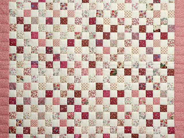 Rosy Pink and Cream Blocks Crib Quilt Photo 2