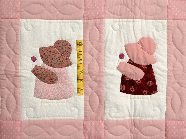 Pink Sunbonnet Sue Crib Quilt Photo 3