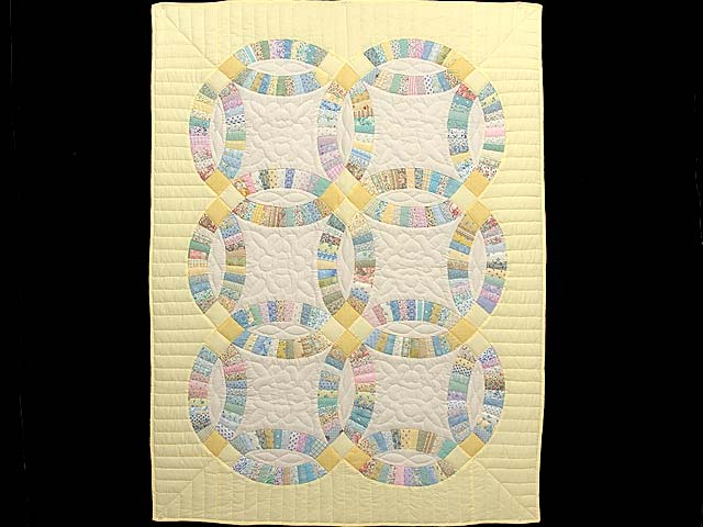 Fine Yellow and Pastel Double Wedding Ring Crib Quilt Photo 1