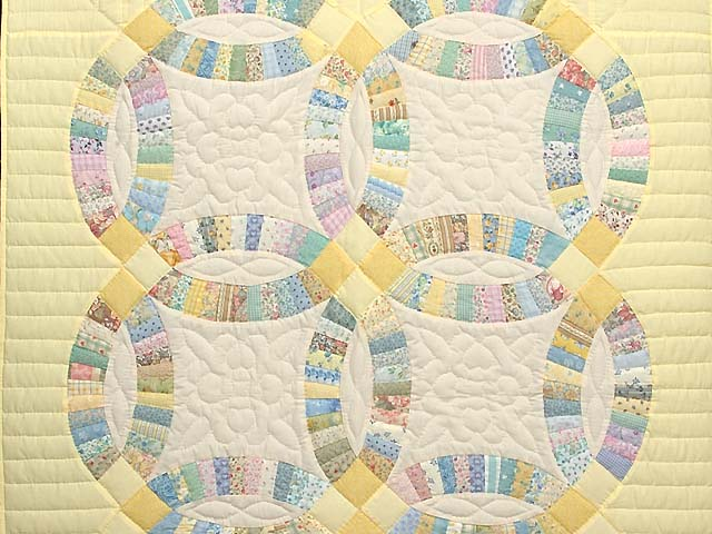 Fine Yellow and Pastel Double Wedding Ring Crib Quilt Photo 2