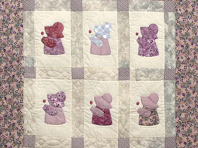 Lavender and Gray Sunbonnet Sue Crib Quilt Photo 2
