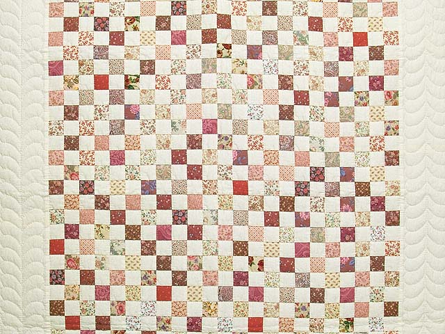 Rose and Cream Blocks Crib Quilt Photo 2