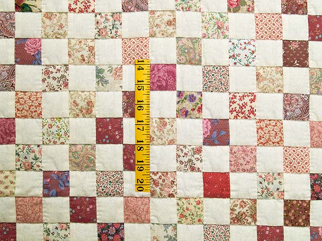 Rose and Cream Blocks Crib Quilt Photo 3