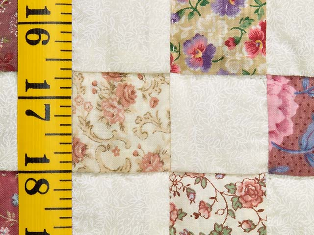 Rose and Cream Blocks Crib Quilt Photo 5