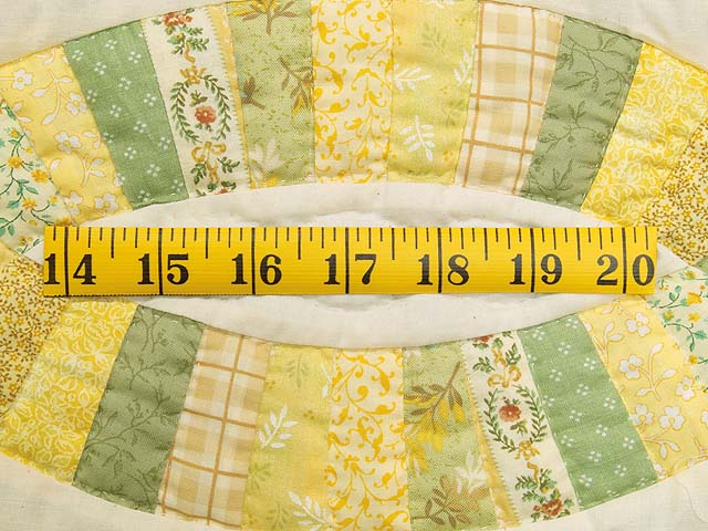 Fine Yellows and Greens Double Wedding Ring Crib Quilt Photo 5
