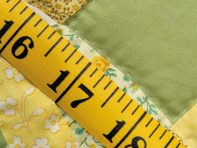 Fine Yellows and Greens Double Wedding Ring Crib Quilt Photo 7