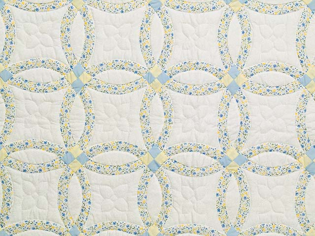 Pastel Blue and Yellow Double Wedding Ring Quilt Photo 2