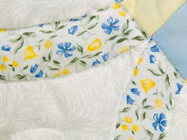 Pastel Blue and Yellow Double Wedding Ring Quilt Photo 4