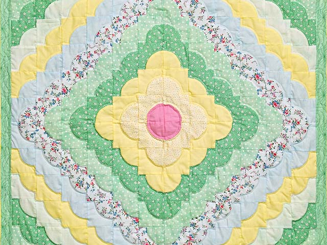 Yellow and Green Ocean Wave Crib Quilt Photo 2