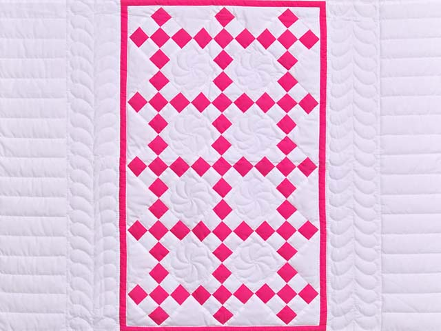 Rose and Cream Nine Patch Crib Quilt Photo 2