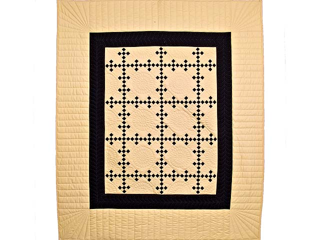 Black and Tan Nine Patch Throw Photo 1