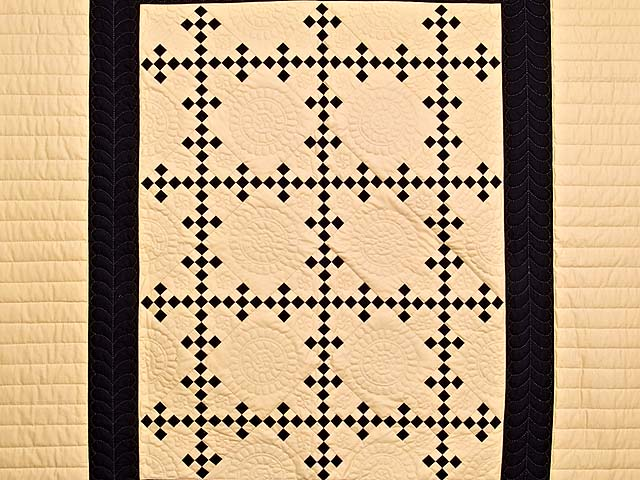 Black and Tan Nine Patch Throw Photo 2