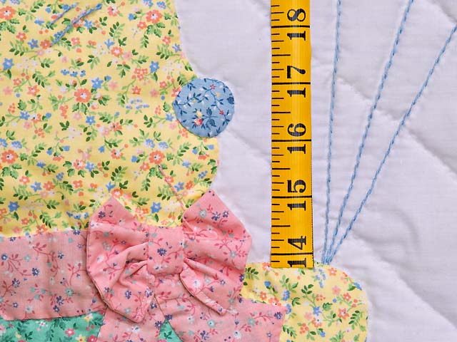 Pastel Pink Party Bear Crib Quilt Photo 4