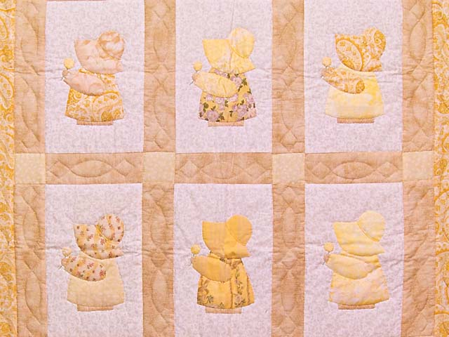 Golden Yellow Sunbonnet Sue Crib Quilt Photo 2