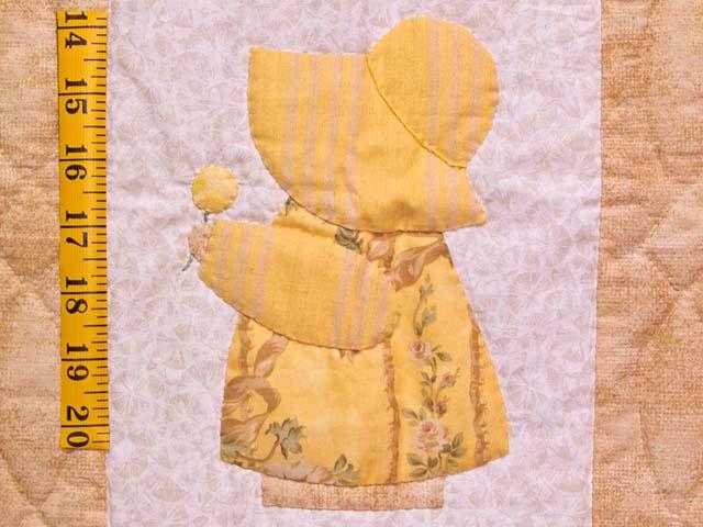 Golden Yellow Sunbonnet Sue Crib Quilt Photo 4