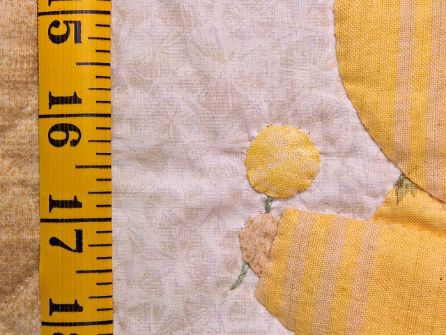 Golden Yellow Sunbonnet Sue Crib Quilt Photo 5
