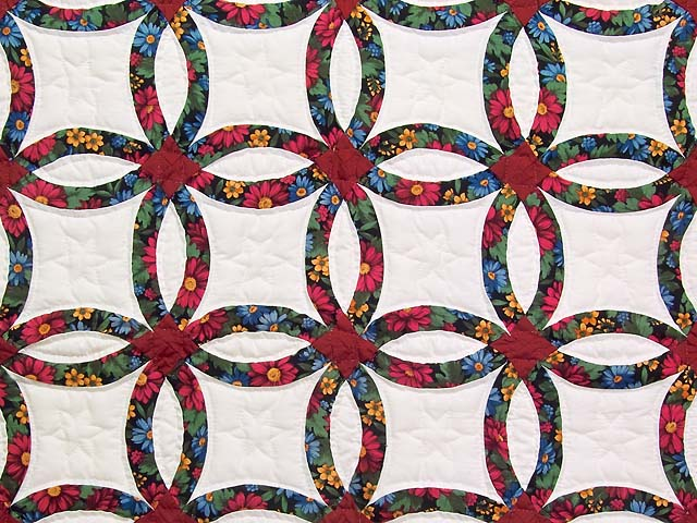 Mini Red and Green Double Wedding Ring Quilt Photo 2