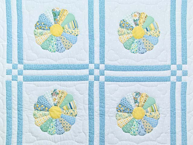 Pastel Blue and Multicolor Dresden Plates Crib Quilt Photo 2