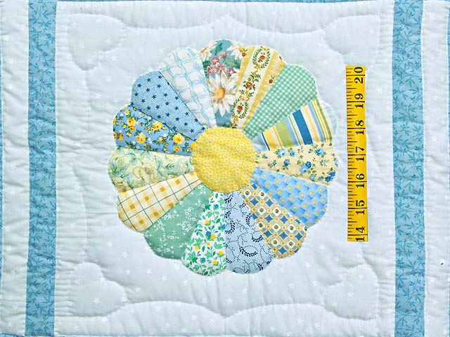 Pastel Blue and Multicolor Dresden Plates Crib Quilt Photo 3