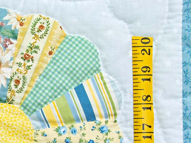 Pastel Blue and Multicolor Dresden Plates Crib Quilt Photo 4