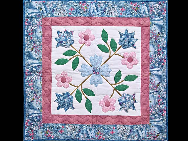 Rose of Sharon Wall Hanging Photo 1