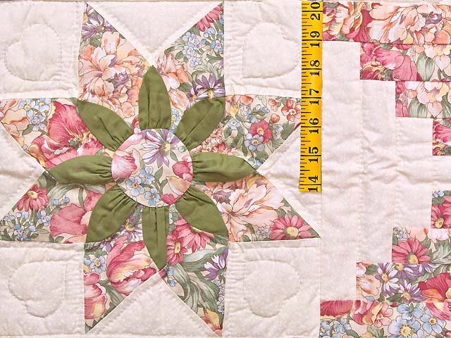 Rose and Green Dahlia Log Cabin Star Wall Hanging Photo 3