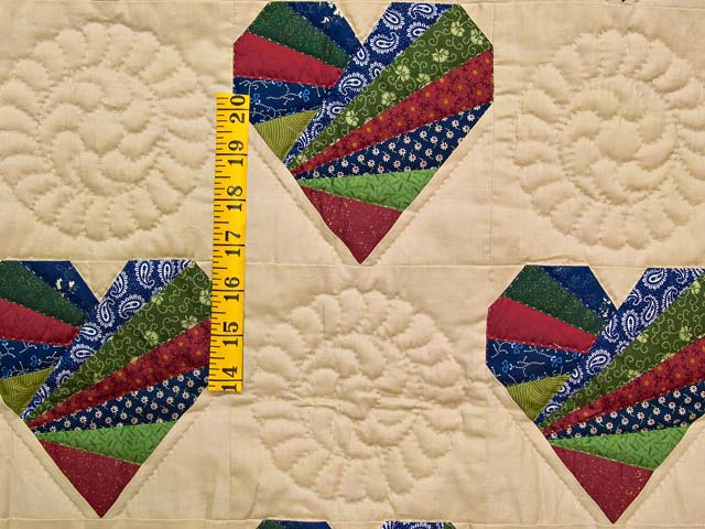 Country Colors Patchwork Hearts Wall Hanging Photo 3