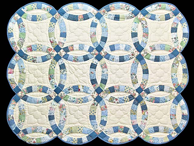 Blue and Cream Double Wedding Ring Crib Quilt Photo 1