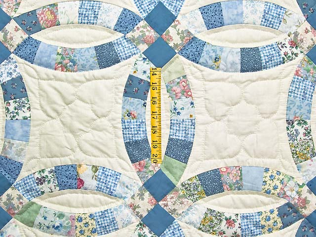 Blue and Cream Double Wedding Ring Crib Quilt Photo 3