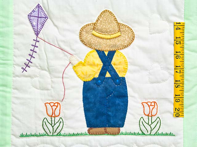 Green Sunbonnet Sue & Bill Crib Quilt Photo 3