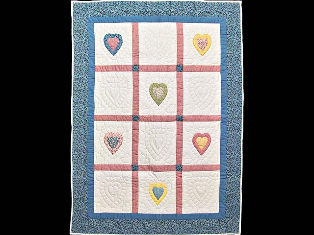 All Hearts Naive Crib Quilt Photo 1