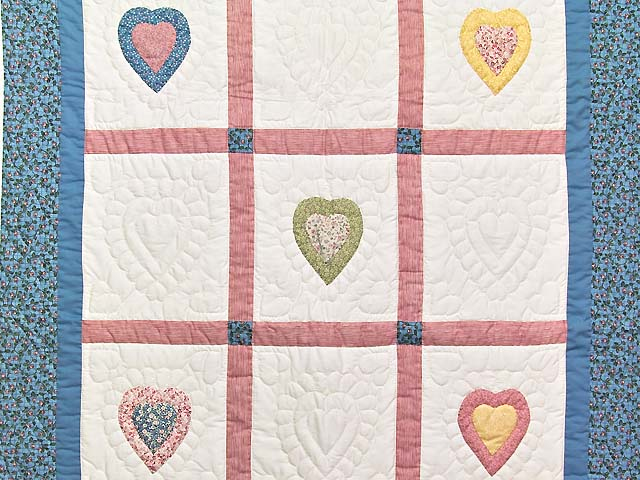 All Hearts Naive Crib Quilt Photo 2