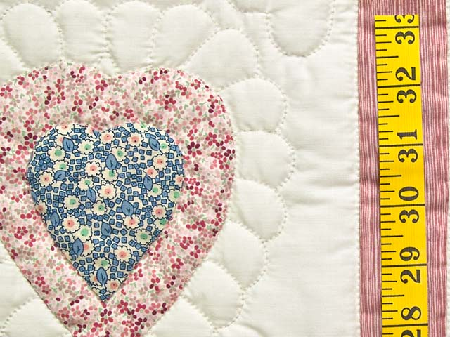 All Hearts Naive Crib Quilt Photo 4