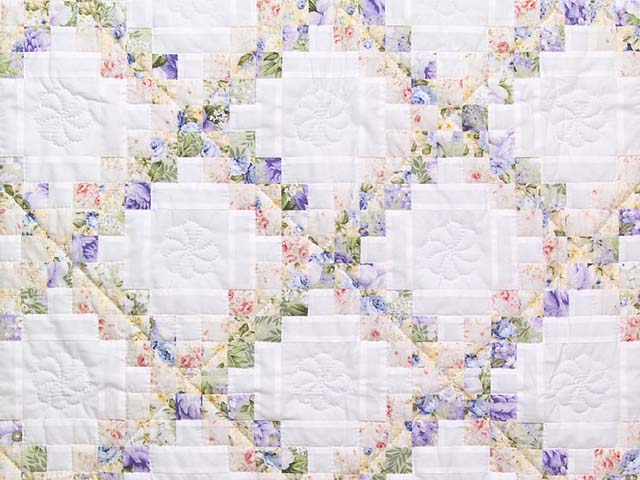 Lavender Willow and Cream Irish Chain Crib Quilt Photo 2