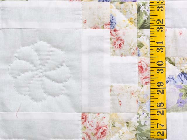 Lavender Willow and Cream Irish Chain Crib Quilt Photo 4