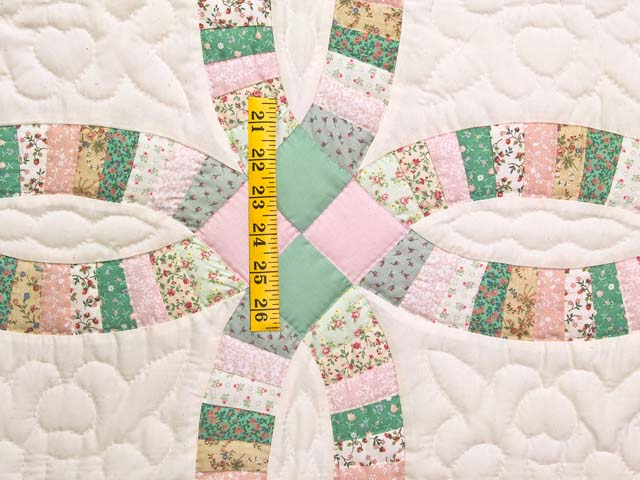 Fine Pink Green and Pastel Double Wedding Ring Crib Quilt Photo 3