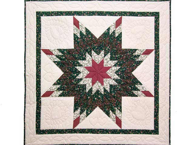 Rose and Dark Green Lone Star Wall Hanging Photo 1