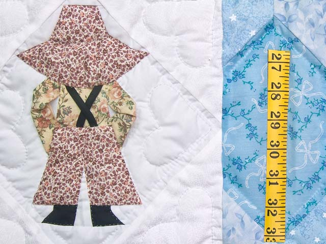 Blue Sunbonnet Sue & Bill Crib Quilt Photo 4