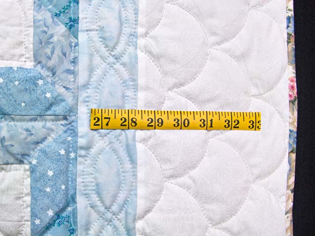 Blue Sunbonnet Sue & Bill Crib Quilt Photo 6