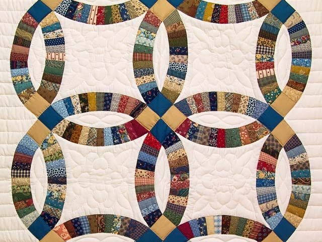 Fine Country Colors Double Wedding Ring Crib Quilt Photo 2