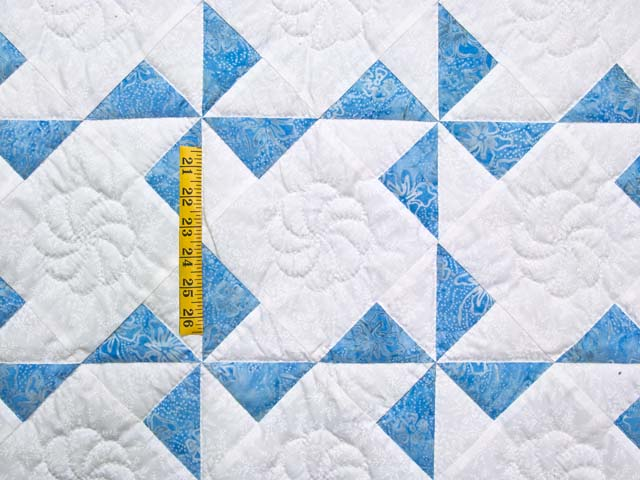 Sterling Blue and Cream Pinwheel Crib Quilt Photo 3