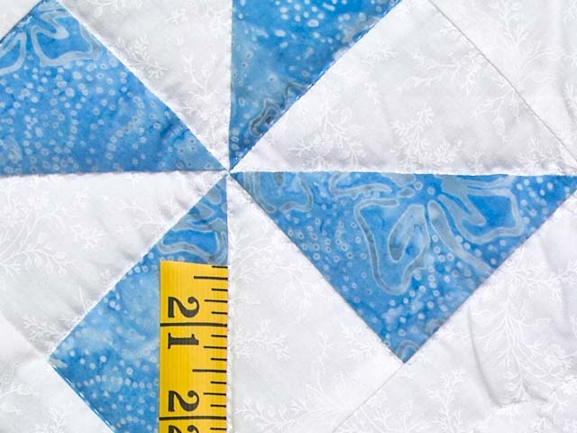 Sterling Blue and Cream Pinwheel Crib Quilt Photo 4