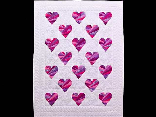 Rose and Cream Patchwork Hearts Crib Quilt Photo 1