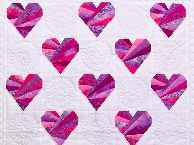 Rose and Cream Patchwork Hearts Crib Quilt Photo 2
