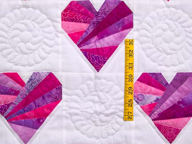 Rose and Cream Patchwork Hearts Crib Quilt Photo 3